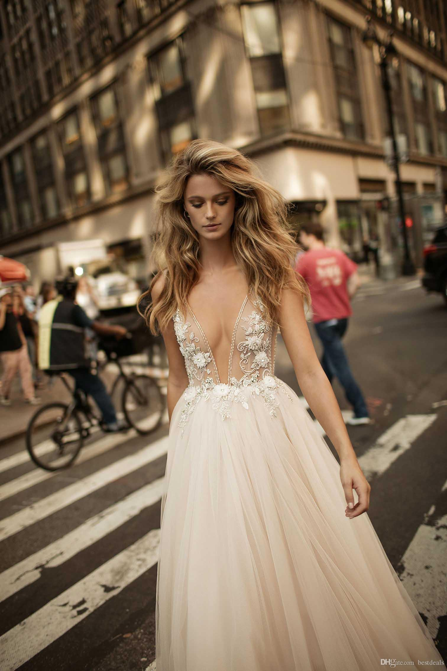 Берта 2020 Sexy Глубокий V шеи See-через свадебные платья из бисера Цветы Полный Тюль линия Свадебные платья выполненный на заказ пляж свадебные платья
