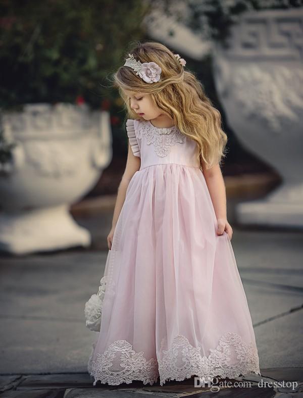 Schöne hellrosa Blumenmädchenkleider besonderen Anlass für Hochzeiten Kinder Pageant Kleider A-Linie Spitze applizierte erste Kommunion Kleid