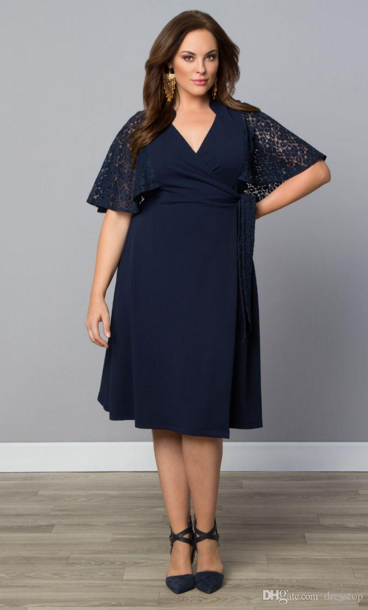 Cheap Dark Navy Plus Size Evening Dresses Lace Mother Of The Bride Dress With Half Sleeves A-Line Knee Length Formal Gowns
