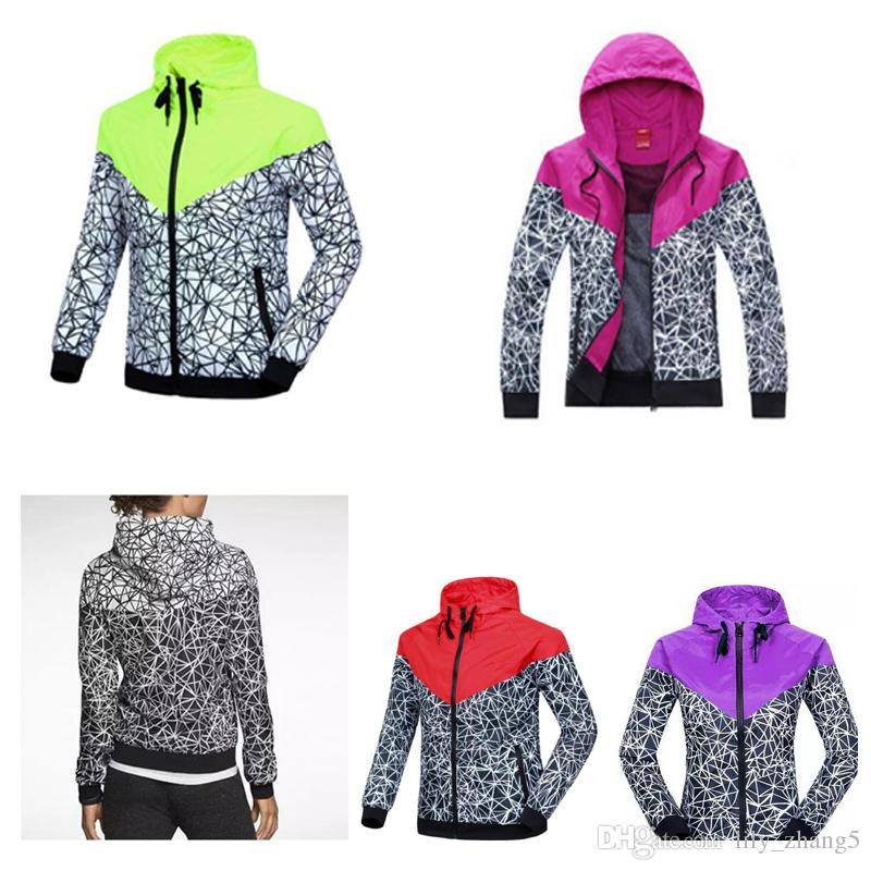 Free shipping New Jogging Suits Sport NWT Woman Sport Jacket Hooded Windbreaker Breathable and Warm BLK Large Sport Windbreaker