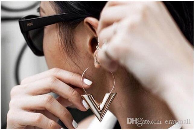 Newest summer Metallic v-shaped earring round letter v big earring one color two size can choose