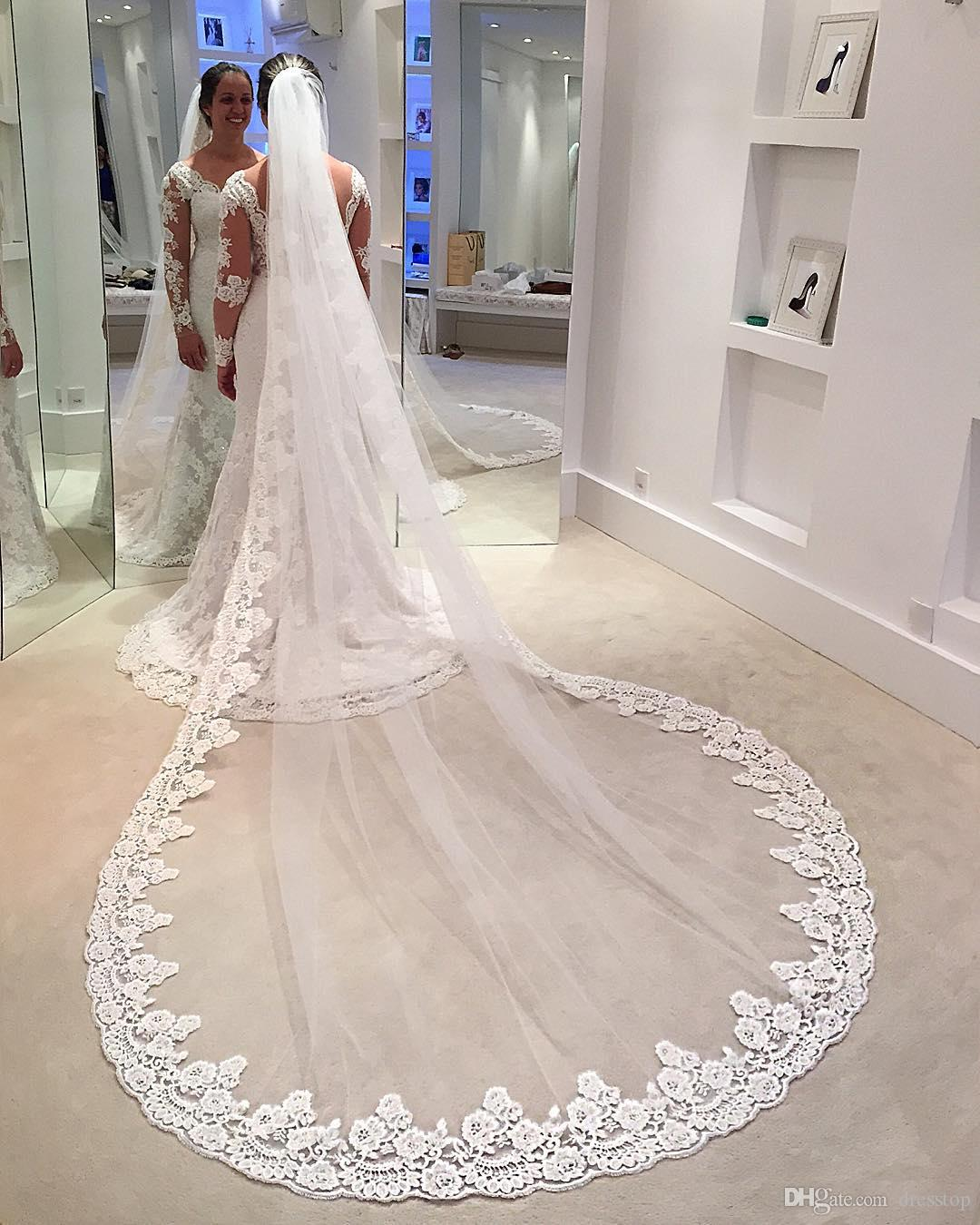 Hot Sale One Layer Three Meters Long Bridal Veils With Lace Appliqued Edge Cathedral Tulle Cheap Wedding Veil Comb Ivory White