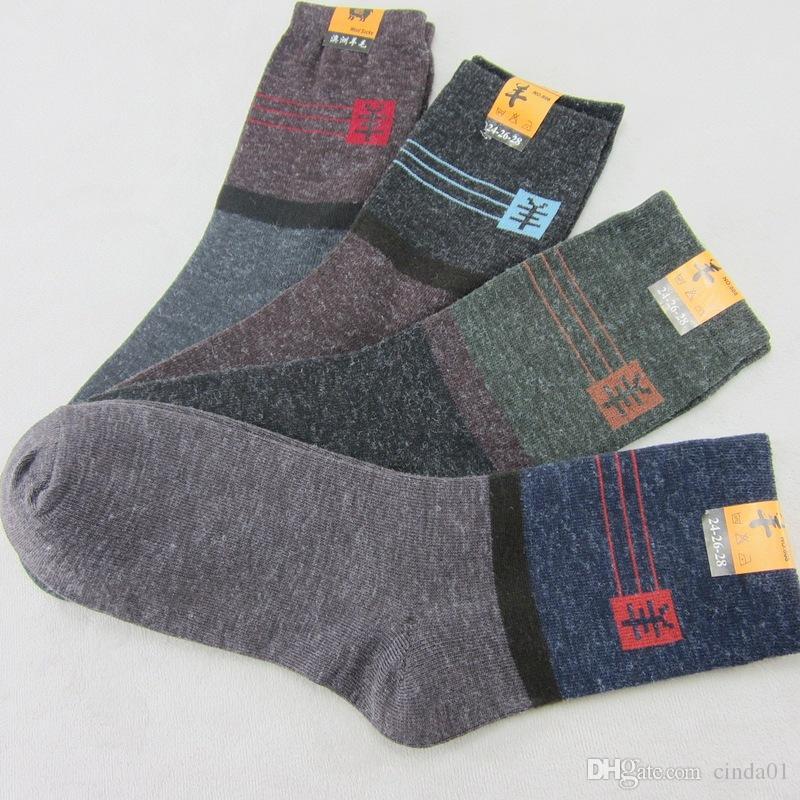 Calze da uomo in cotone assorbente traspirante inverno caldo di lana spessa Calzini casual Uomo calzino in confezione da 10 paia / lotto Inverno caldo abbigliamento accessori