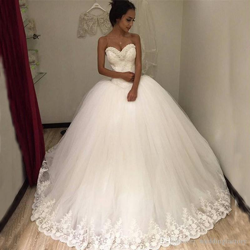 d2e0b0d6cfcb95 2017 Puffy Tulle Ball Gown Wedding Dresses Beaded Sweetheart Neckline  Sleeveless Lace Appliques Custom Made Bridal Gowns Princess Style Wedding  Dress Cheap ...
