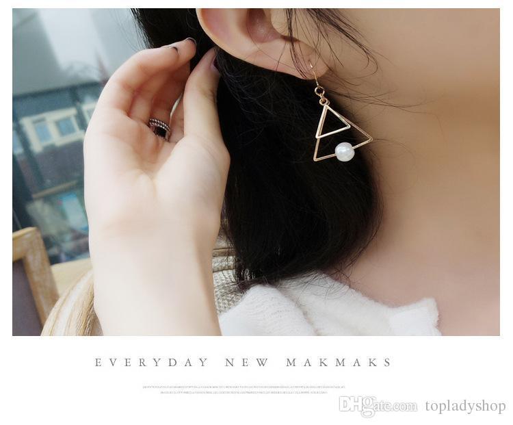 Minimalista retro temperamento oro doble perla triangular multi - capa sentido del diseño del oído del oído de la borla al por mayor envío gratis