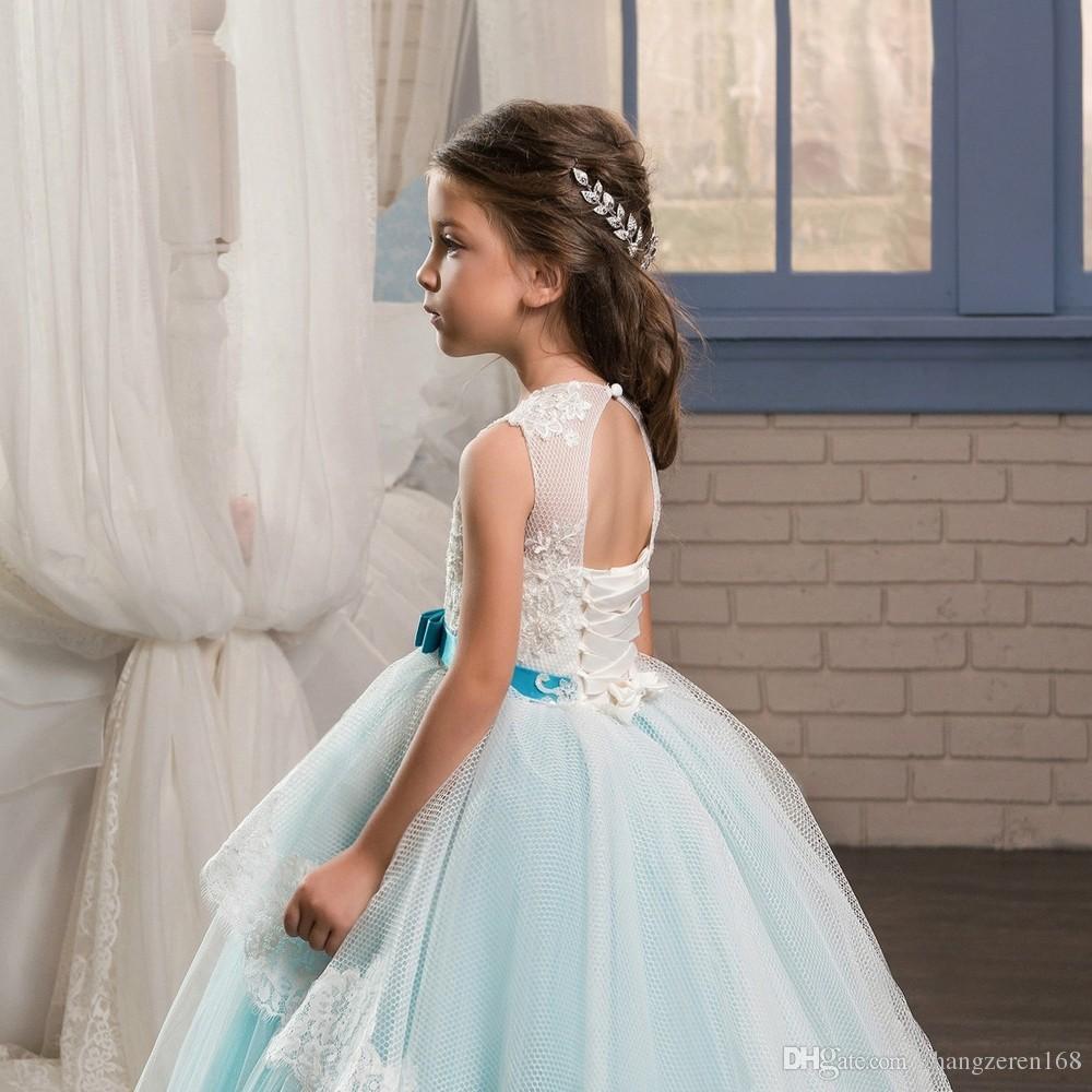 Scoop Boyun Çizgisi Pageant Parti Elbiseler Kızlar için 8 Yay Kanat Çocuk Mezuniyet Elbisesi Dantel Hem Korse Uzun Çocuklar Kabarık Balo Elbise