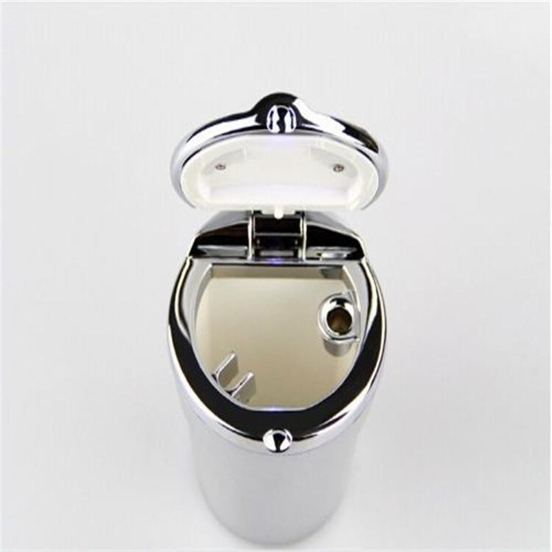 Auto cendrier LED éclairage Portable cendriers de voiture cendriers à cigarettes voiture support de plastique portable moderne LED cendriers de voiture atp220