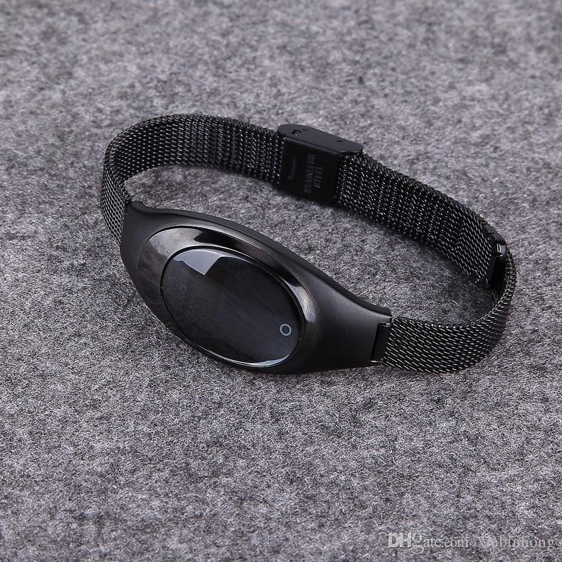 1 unids Reloj de Lujo Z18 Bluetooth Banda Inteligente de Presión Arterial Monitor de Ritmo Cardíaco Pulsera Selfie Muñequera remota para IOS dispositivos Android