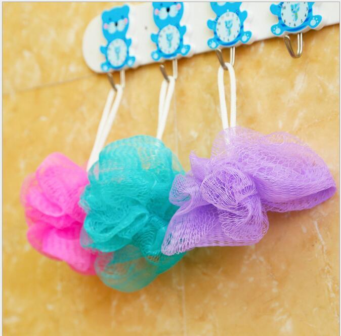 Mini bain Douche Exfoliant corps Puff éponge Mesh Net Ball Accessoires d'éponge de bain couleur aléatoire DHL