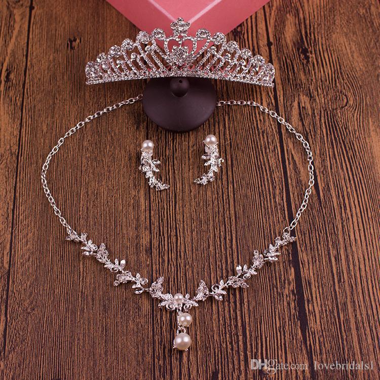 2017 freies verschiffen hochzeit tiaras headstücke haar billig set kronen halskette ohrringe legierung kristall pailletten braut schmuck zubehör