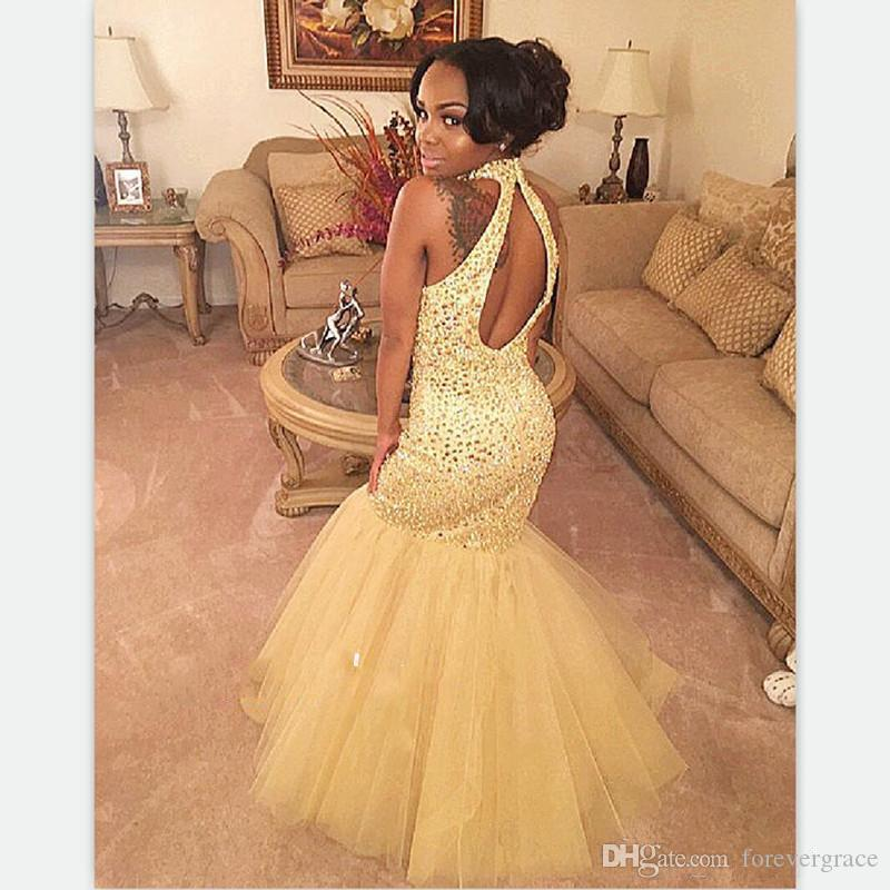 A buon mercato Sexy oro sirena Prom Dress Halter Neck Backless Black Girl Formal Sweep treno Evening Party Gown Custom Made Plus Size