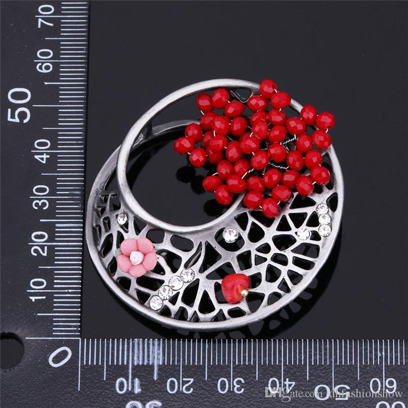 Red Flower Rhinestone Brooches Pins For Women 2017 Vintage Hollow Geometric Brooches Fashion Luxury Pins Brooch