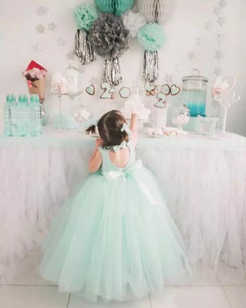 Lovely 2019 Mint Tulle Ball Gown Flower Girl Dresses For Weddings Jewel Cut Out Back Bow Sash Floor Length Birthday Party Dresses EN8144
