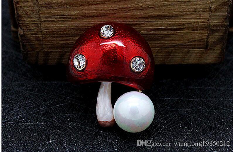 Kleine pilz broschen pins hochwertige natürliche perle kristall strass brosche corsage niedlichen farben schals zubehör geschenke