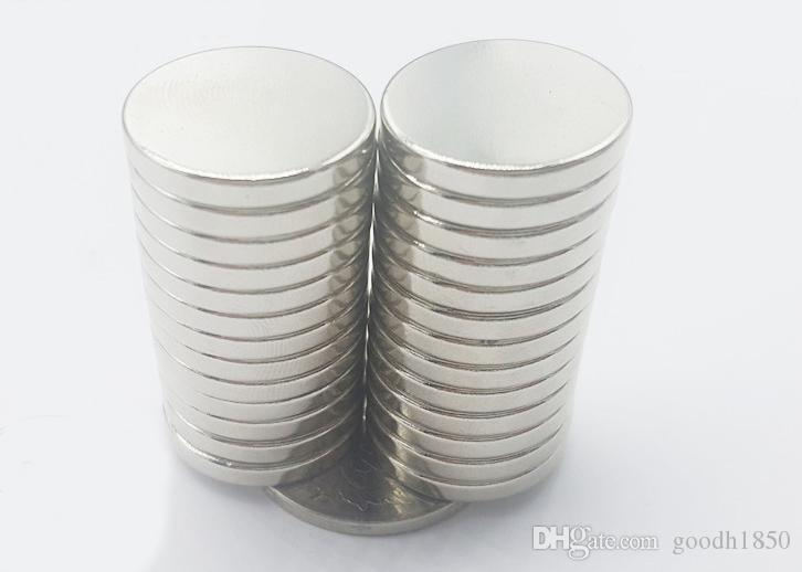 20 pz lotto formato Spedizione gratuita di Dia 20x3 mm magnete tondo caldo Forte magneti Rare Earth Magnete Al Neodimio 20x3mm all'ingrosso