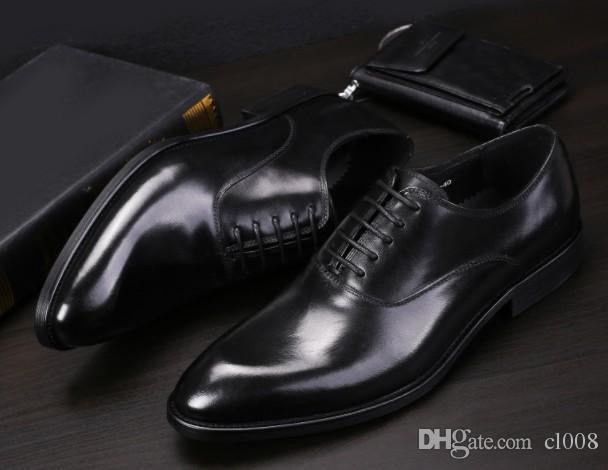 0f2cb0211 Compre Homens De Qualidade De Luxo Vestido De Couro Europa High End Vestido  Sapatos De Couro Encerado Lace Up Dedos Redondos Boca Rasa Sapatos De  Vestido De ...