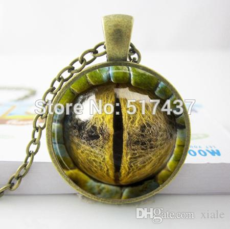 New Fashion Round Glass Necklace Dragon Eye Pendant Art Print Charm Fantasy Creature Jewelry Glass Photo Cabochon Necklace