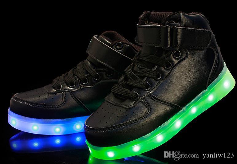 e26e42e369621 ... Enfants Usb Charge Led Légère Chaussures Baskets Enfants Light Up Shose  avec Wings Lumineux Lumineux Garçon