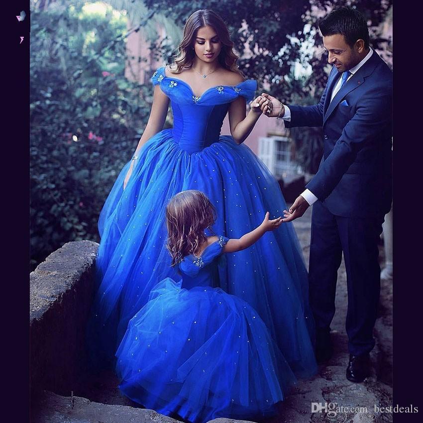 2017 cinderella ballkleid brautkleider royal blue ballkleid weg von der schulter mutter tochter dress arabisch lange abend party kleider