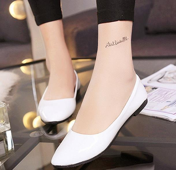 Fashion New Wild Flat Shoes Suitable For Any Occasion With White