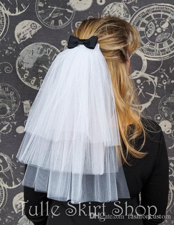 Longitud del codo Tres capas de marfil blanco Velo de novia cortado Edge Bridal Veil Champagne con peine