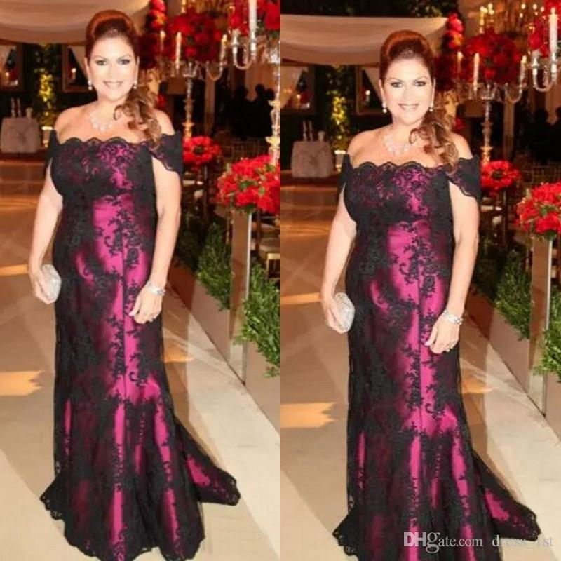 Vintage 2017 Mother Of The Bride Dresses Off Shoulder Black Lace Fuchsia Lining Floor Length Mother Groom Gowns Plus Size Custom Made EN8158