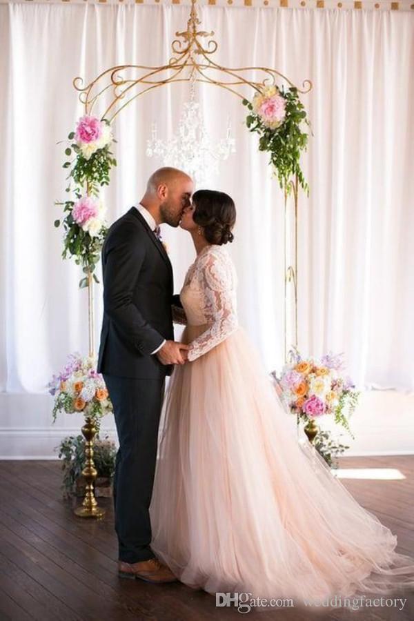 Vacker plus storlek land bröllop klänning en linje sheer neck pounging illusion spets topp långa ärmar blush rosa tulle brudklänningar öppna tillbaka