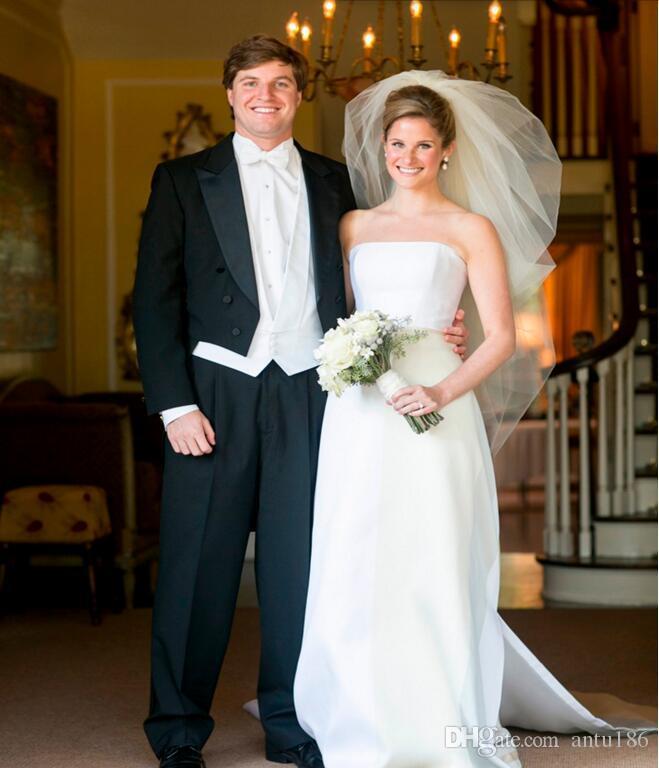 Yüksek Kalite erkekler takım elbise yakışıklı damat Takım Elbise Tailcoat yaka gömme takım elbise smokin Balo Smokin Suit Ceket + pantolon + yelek