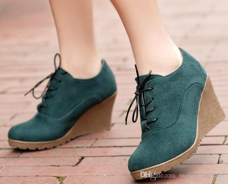 2017 wholesaler factory price new style round nose Martin Boots Rivet Ankle Boots tassels boot 290