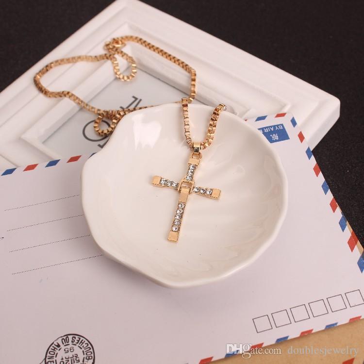 American Jewelry Toledo speed and passion 8 Colgante cruzado Collar Colgante paquete de oro regalos para hombres y mujeres