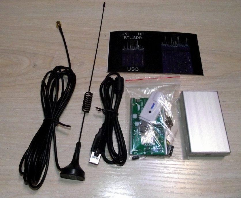 Wholesale-100KHz-1 7GHz full band UV HF RTL-SDR USB Tuner Receiver DIY KITS  U/V antenna