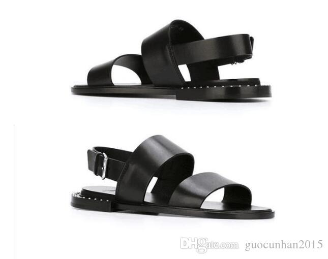 2017 Mens Summer Beach Gladiators Flats Black Shoes Buckle Open toe Genuine leather Sandals Punk Casual Style Flip Flops Man