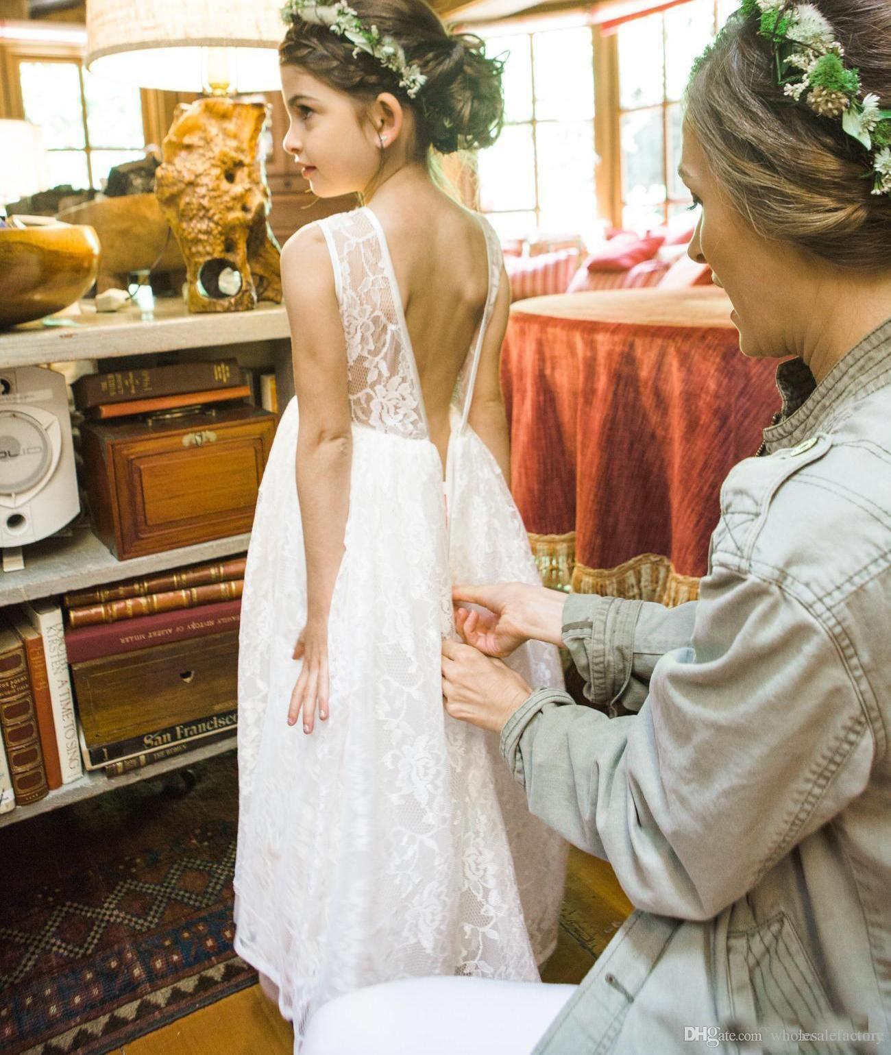 2017 Günstige Volle Spitze Blume Mädchen Kleid Sheer Juwel Hals Backless Land Hochzeit Kleid Für Kleine Mädchen Online Verkauf