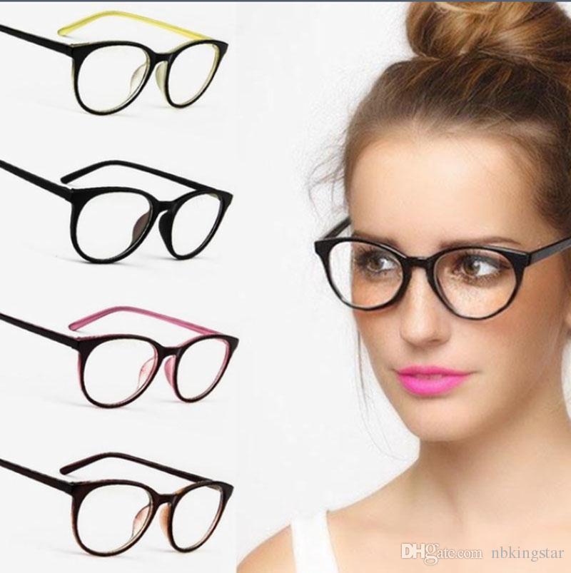 44a9bc9e7e881 Compre 2017 Mulheres Cat Eye Decoration Óculos Ópticos Óculos De Armação De  Marca Designer De Lente Clara Óculos 10 Pçs   Lote Frete Grátis De  Nbkingstar