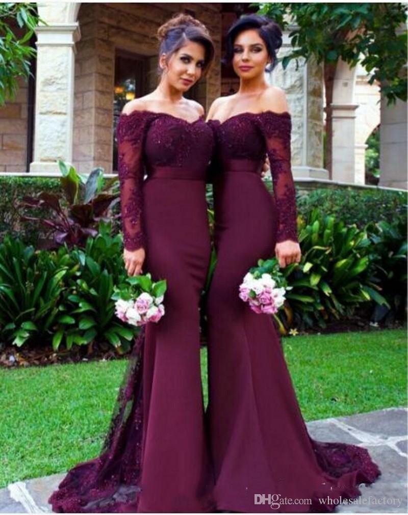 Borgonha mangas compridas sereia Vestidos dama de honra 2020 Lace apliques Off the Shoulder Empregada doméstica de honra vestidos de casamento Vestidos de hóspedes com botões