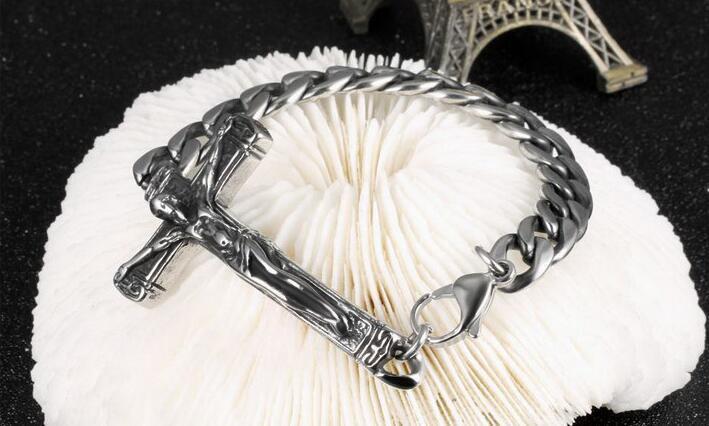 Avrupa ve Amerika Birleşik Devletleri satan moda döküm taş çarmıha titanyum çelik erkekler yan zincir bilezik