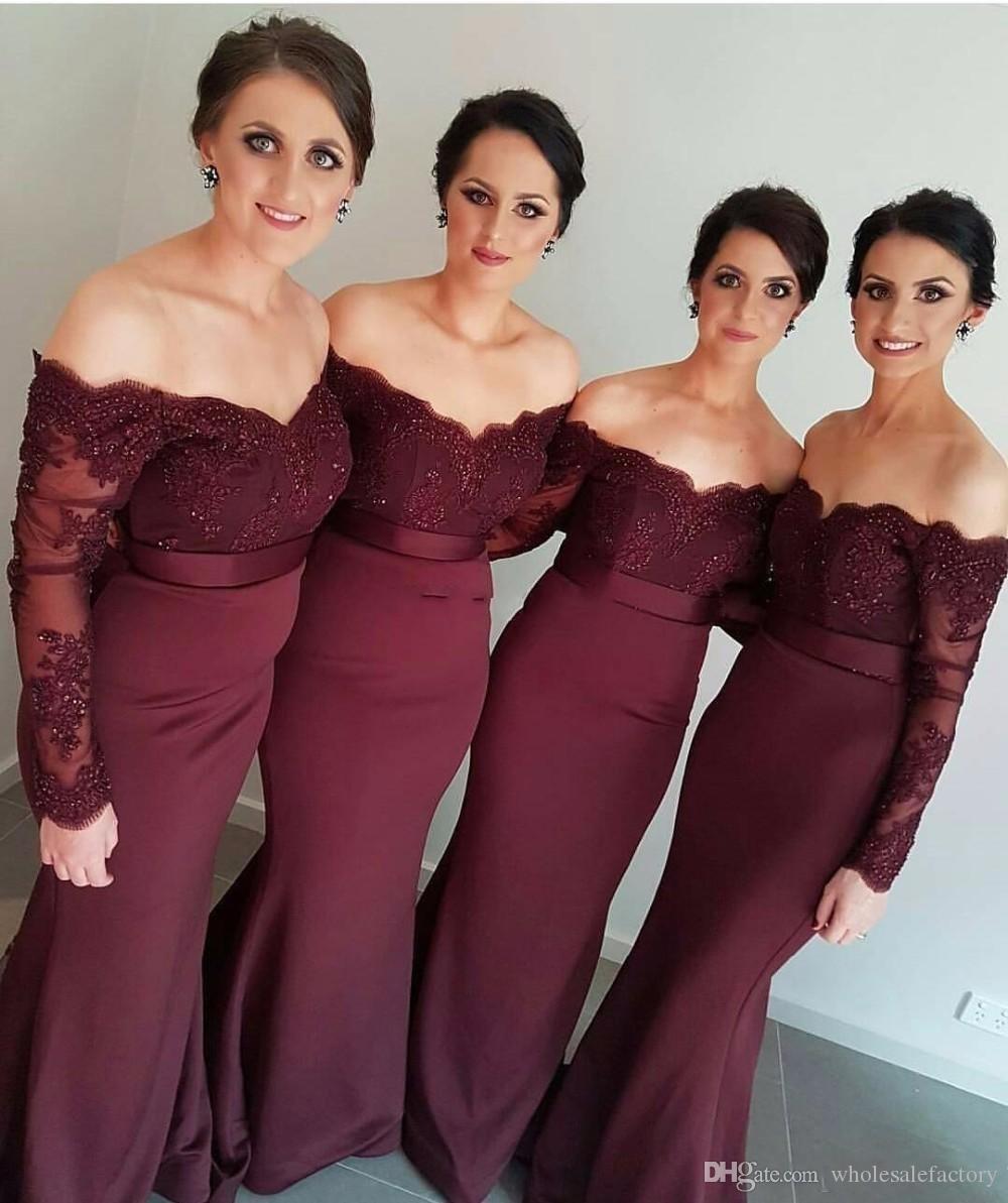 Borgoña manga larga sirena vestidos de dama de 2020 de encaje apliques fuera del hombro dama de honor vestidos de boda vestidos de invitados con Botones