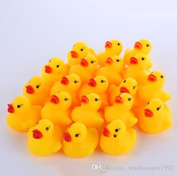 / en gros mini canard de bain en caoutchouc canard en PVC avec son canard flottant livraison rapide plage de nage