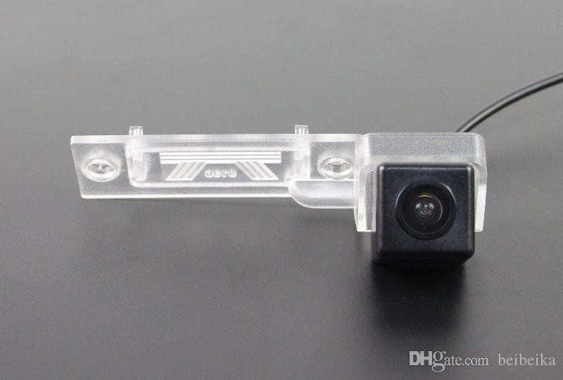 Car Rear View Camera For Volkswagen VW Bora Reverse Camera / HD CCD RCA NTST PAL / License Plate Light OEM