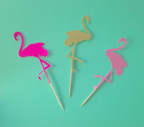 cheap Custom 30pcs Flamingo glittery Bridal Shower Cupcake Toppers Food Picks toothpick wedding Valentines Day birthday party decorations