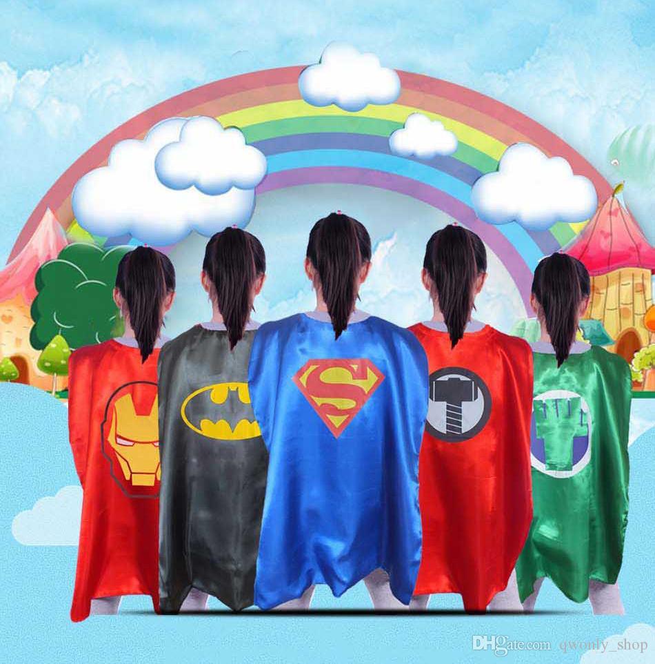 79 estilos Capas + Conjunto de máscaras Superhéroes infantiles Supernan Cosplay Capa de alta calidad de doble capa Fiesta de Halloween Capas de dibujos animados Ropa heroica