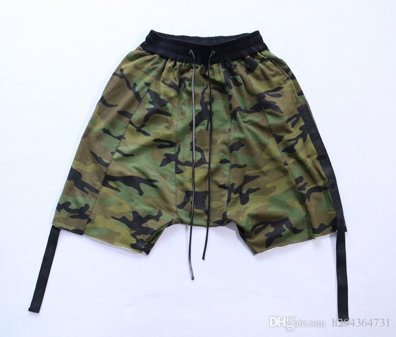 Gros-Camo Shorts entrejambe Hommes 2016 Kanye West Hip Hop Camouflage Harem Shorts épissé Design Roche vêtements Star Livraison gratuite