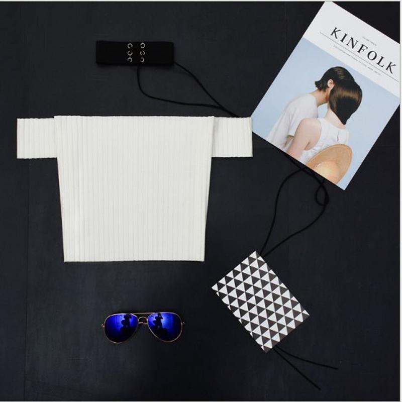 Beyaz / Siyah T Shirt Kadın Kapalı Omuz Mahsul Tops Siyah Beyaz Nervürlü T-shirt Kylie Jenner Seksi Tee Gömlek Femme