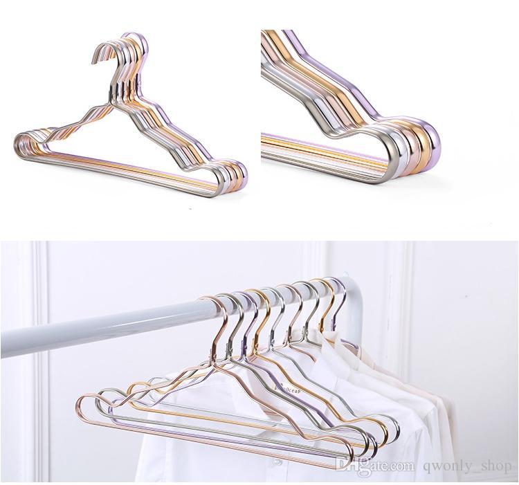 Cintres en métal Costume Adulte Épaississement Tablette Vêtements Séchage Grilles Anti Dérapage Courbe Conception Manteau Cintre Transparent Rose Gold Rack