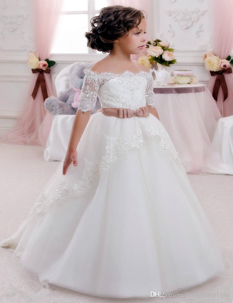 Fuera del hombro Vestidos de niña linda para la boda 2017 de encaje vintage con coral bow Belt Princess Princess-Up Vestidos de comunión para niños