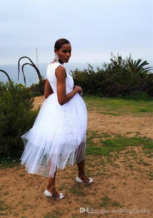 사랑스러운 패션 무릎 길이 웨딩 드레스 화이트 레이스 얇은 명주 그물 짧은 캐주얼 야외 신부 가운 보석 넥 민소매 웨딩 파티 착용