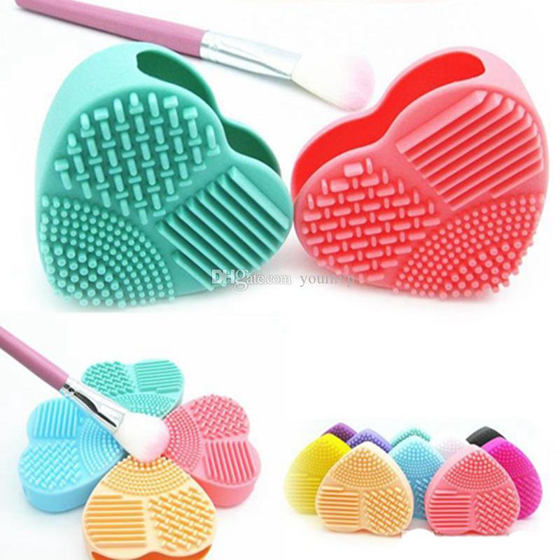 Silicone Makeup Brush Heart Shape Brush Egg Washing Brush Pad Silicone Glove Scrubber Cosmetic Foundation Powder Clean Tools