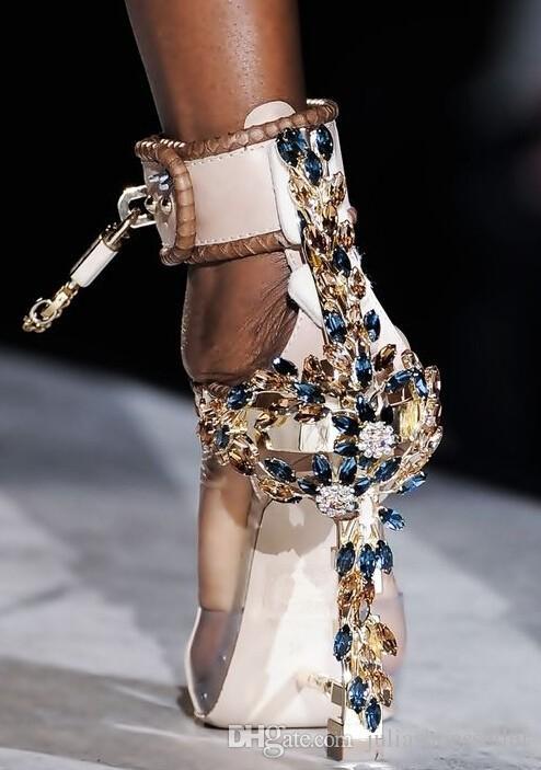 Fashion Designer Spiked High Heeled Peep Toe Women Sandals