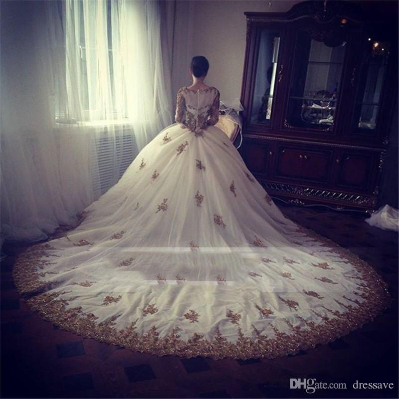 Vestidos De Novia 2017 Luxury Arabic Prom Party Dresses Scoop Neck Long Sleeve Gold Beading Lace Applique Puffy Evening Gowns Formal Wear