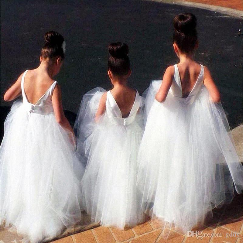 Bonito Bateau Branco Meninas Vestidos De Flores Com Sash Meia Mangas Lace Tulle Crianças Vestidos De Casamento Baratos Custom Made